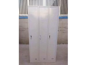 三门更衣柜1850×900×420mm